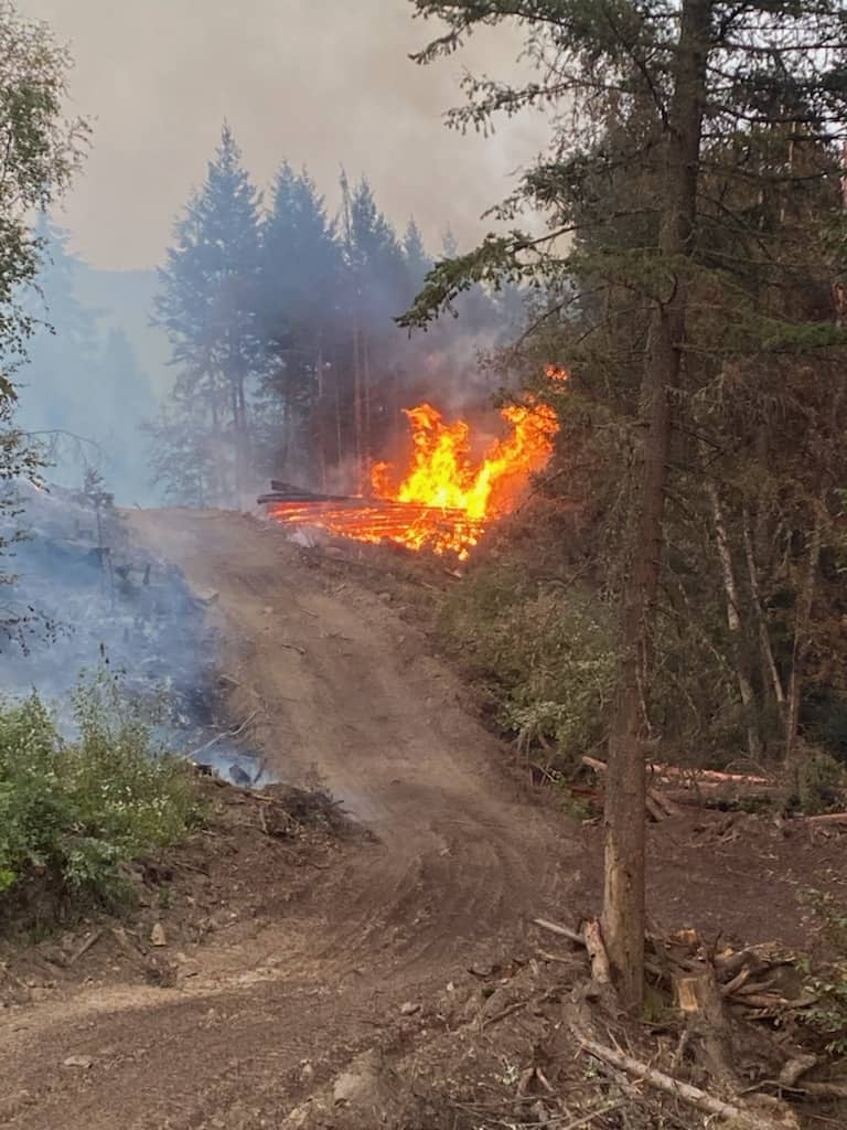 Heffley Valley locals battle wildfire late into the night
